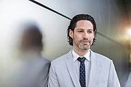Portrait of confident businessman - DIGF000891