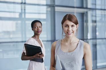 Portrait of smiling businesswoman - RORF000232