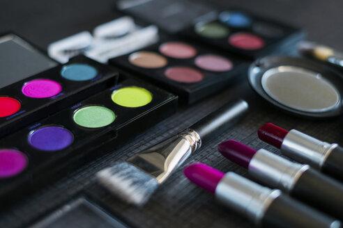 Make up - MOMF000001