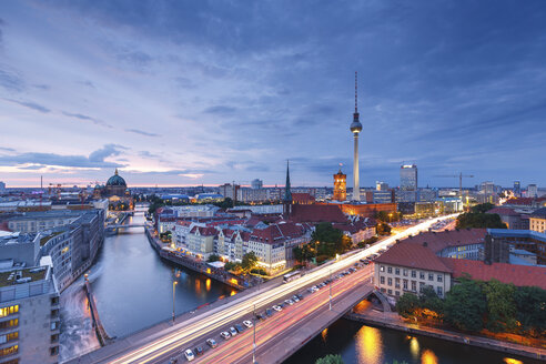 Germany, Berlin, Berlin-Mitte, Fisher Island and Berlin TV Tower in the evening - SPPF000001