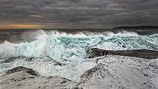Australia, New South Wales, Maroubra, coast, stormy, waves in the evening - GOAF000026