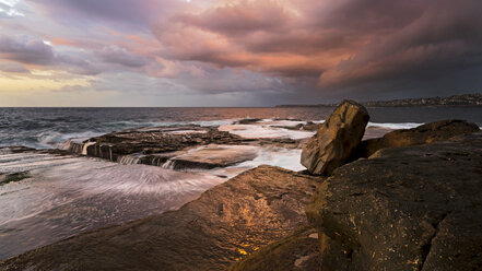 Australia, New South Wales, Clovelly, Shark point in the evening - GOAF000074