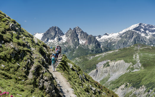 France, Chamonix,  Mountaineers at Le Tour - ALRF000646