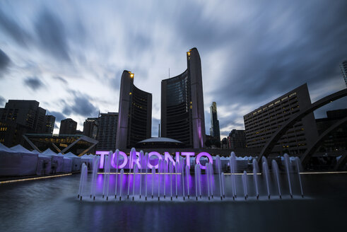 Canada, Ontario, Toronto, City Hall, fountain, sign, long exposure, moving clouds in the evening - FCF001037