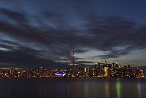 Canada, Ontario, Toronto, Skyline at night, moving clouds - FCF001043