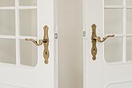 Two opened doors in a flat - KNSF000326
