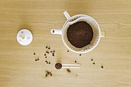 Preparing filter coffee - GWF004885
