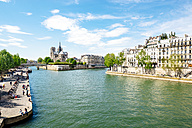 France, Paris, Seine River and Notre-Dame - GEMF000973