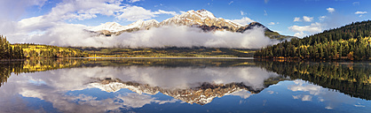Canada, Jasper National Park, Jasper, Pyramid Mountain, Pyramid Lake in the morning - SMAF000564
