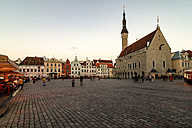 Estonia, Tallinn, Market place with town hall - CST001209