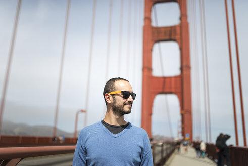 USA, San Francisco, tourist on Golden Gate Bridge - EPF000150