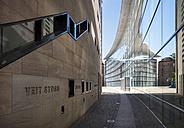 Germany, Nuremberg, glass facade of Neues Museum Nuernberg - SIE007088