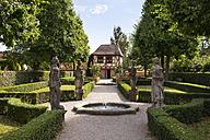 Germany, Nuremberg, St. Johannis, view to Hesperidengaerten - SIE007100
