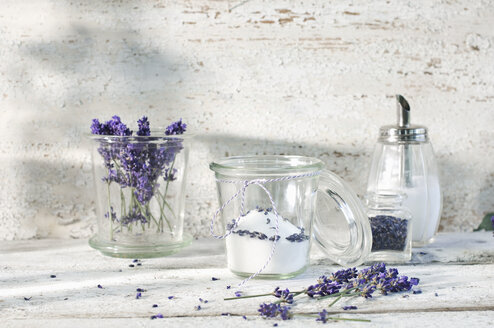 Glass of lavender sugar - ASF006007