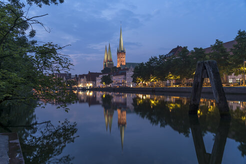 Germany, Luebeck, old town and river Trave at dusk - PCF000265