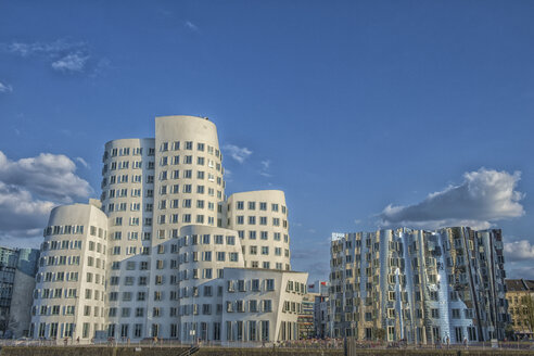 Germany, Duesseldorf, Gehry buildings, Media Harbour - TOV000060