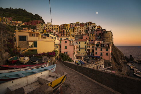 Italy, Manarola, view to the village by sunset - OPF000131