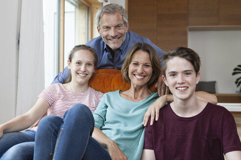 Portrait of happy family at home - RBF005163