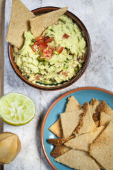 Guacamole and home-made crackers - SBDF03058