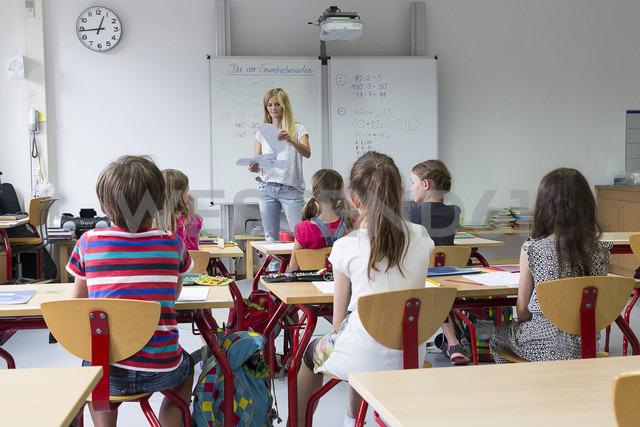 Teacher with her class - SARF02886