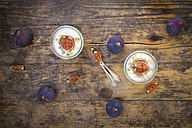 Greek yogurt with granola and figs - LVF05314