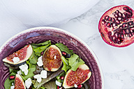 Mixed salad with goat cheese, pomegranate seeds and figs - LVF05323