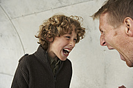 Father and son screaming at each other - FSF00476