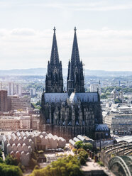 Germany, Cologne, view  to the Cologne Cathedral and Museum Ludwig from above - KRPF01840