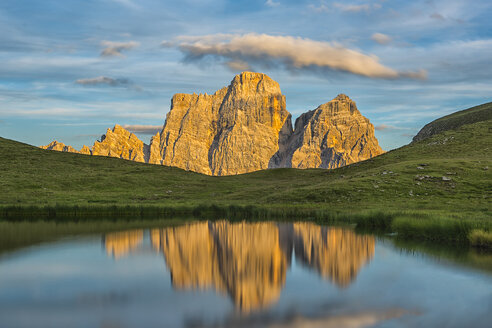 Italy, Dolomites, view to Mountain Pelmo and Lago Delle Baste in the foreground by sunset - LOMF00393