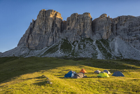 Italy, Dolomites, view to Mountain Lastoi de Formin with camp in the foreground - LOMF00405