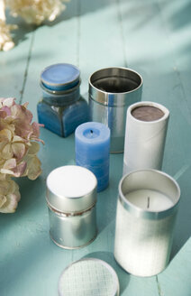 Candles in cans - GISF00247