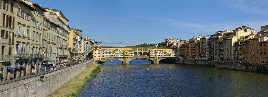 Italy, Tuscany, Florence, Ponte Vecchio and Arno river - LBF01478