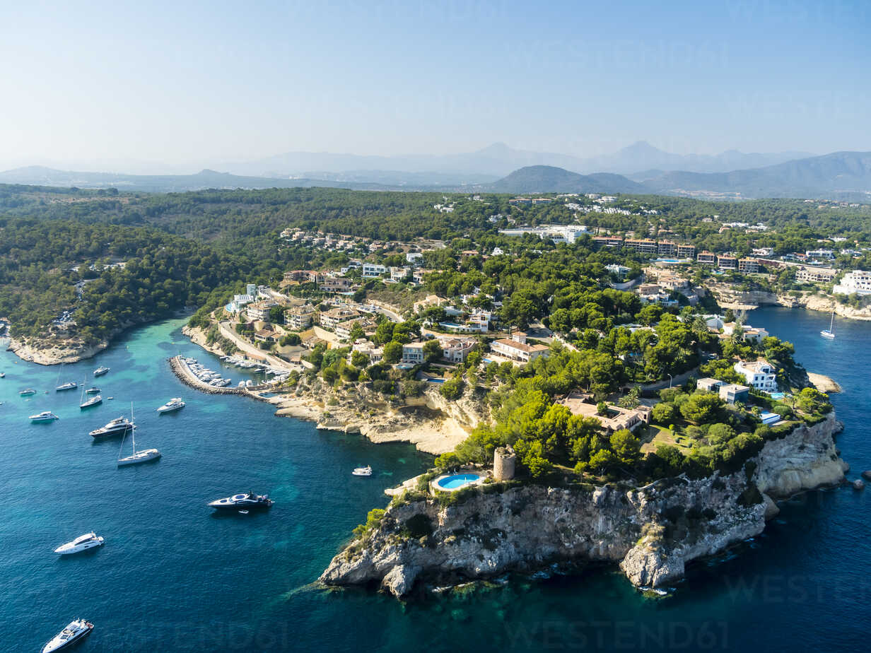 Spain, Mallorca, Palma de Mallorca, Aerial view, El Toro, Villas and yachts near Portals Vells - AMF04982 - Martin Moxter/Westend61