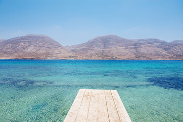 Greece, Cyclades, Amorgos, Nikouria island, wooden jetty and Aegean Sea - GEMF01029