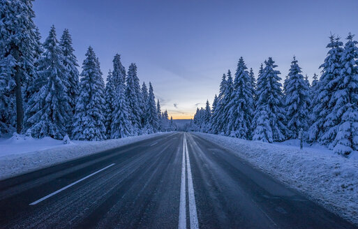 Germany, Lower Saxony, Harz National Park, road in winter - PVCF00905