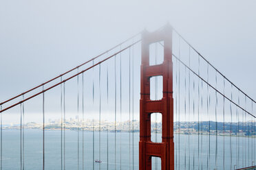 USA, California, San Francisco, Golden Gate Bridge in fog as seen from Battery Spencer - BRF01400