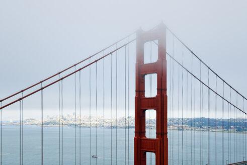 USA, California, San Francisco, Golden Gate Bridge in fog as seen from Battery Spencer - BRF01400