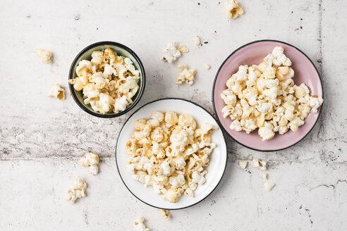 Popcorn in bowls - MYF01788
