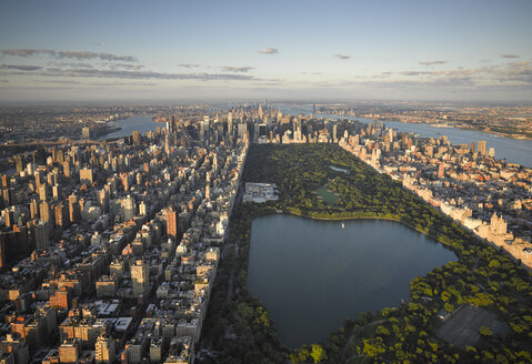 USA, New York City, Aerial photograph of Central Park in Manhattan - BCDF00042