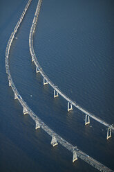 USA, Maryland, Aerial photograph of the Chesapeake Bay Bridge in the early morning - BCDF00090