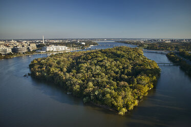 USA, Washington, D.C., Aerial photograph of Roosevelt Island in the Potomac River - BCDF00111