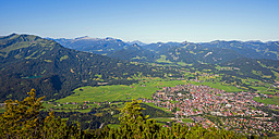 Germany, Bavaria, Allgaeu, view from Schattenberg to Fellhorn and Soellereck, Little Walser Valley in the background<br /> - WGF00978