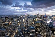 USA, New York City, Manhattan skyline at night - STC00270