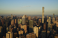 USA, New York State, New York City, business district in the morning - BCDF00159