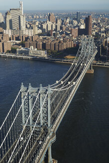 USA, New York, Aerial photograph of the Manhattan Bridge and East River - BCDF00165