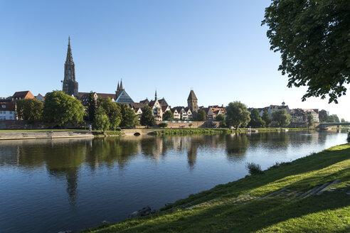 Germany, Ulm, view to the city with Danube River in the foreground - PCF00278