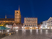 Germany, Mecklenburg-Western Pomerania, Stralsund, Old Town, old market, St. Nicholas' Church and townhall - TAM00690