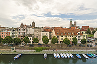 Germany, Mecklenburg-Western Pomerania, Stralsund, Old town and ferry canal - TAMF00693