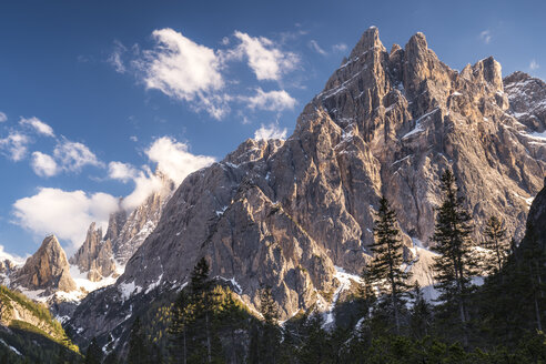 Italy, Province Belluno, Hochpuster Valley, Nature Park Tre Cime, Sexten Dolomites, Einserkofel and Zwoelferkofel - STSF01106