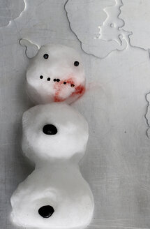Melting snowman with blood on his mouth - HSTF00040